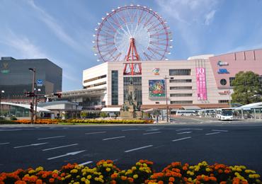 鹿児島中央駅から徒歩5分、鹿児島新名所「かごっま屋台村」はすぐ隣。