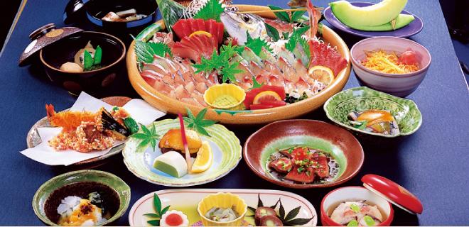 地魚と創作料理「雑魚屋」
